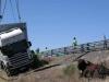 2012-06-camion-vuelca-en-torrejoncillo