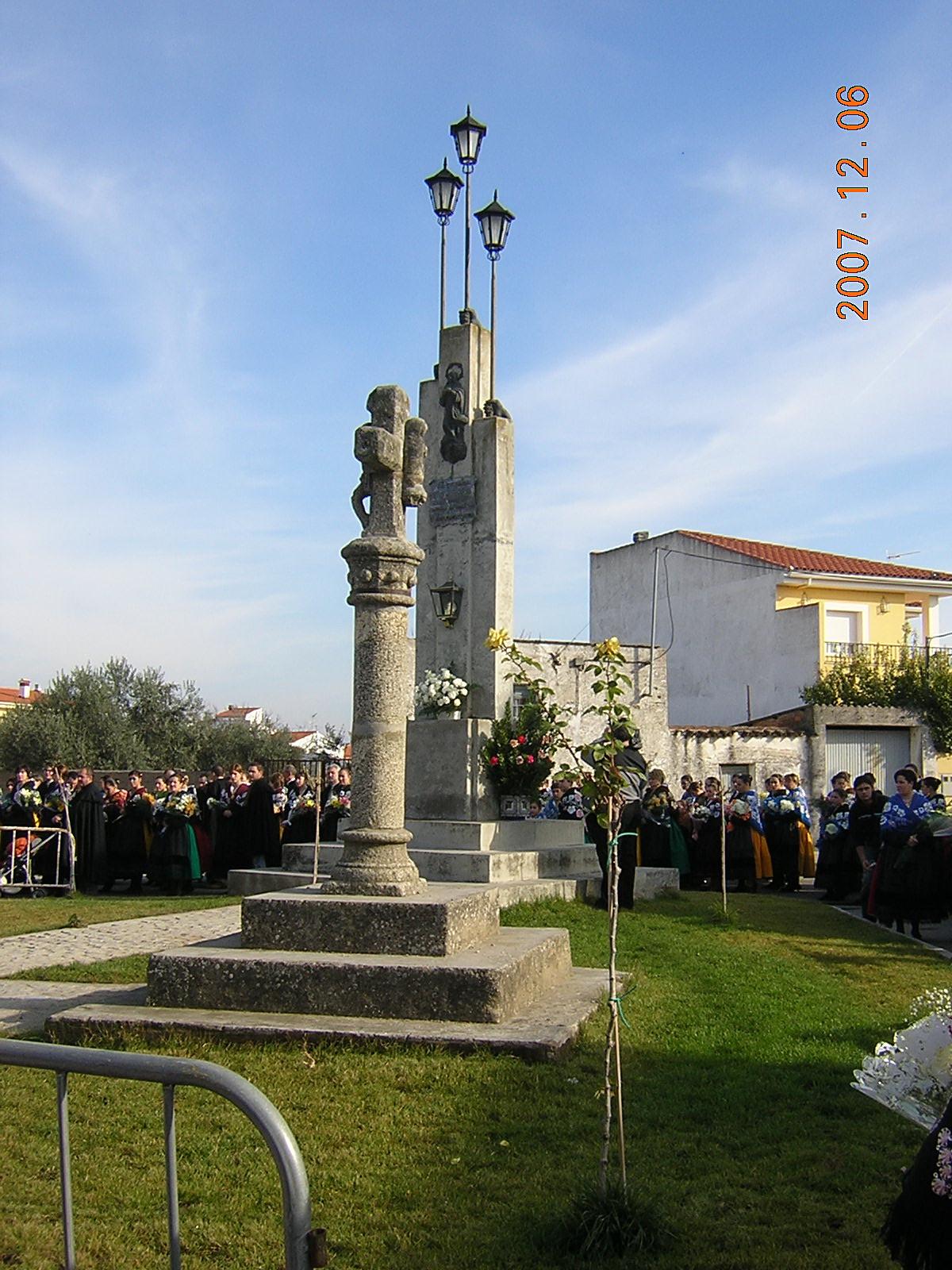 www.torrejoncillotodonoticias.com_encamisa_-_2007_0092
