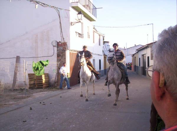 www.torrejoncillotodonoticias.com_romeria_-_2008_0019