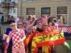 Antonio y Moises con la afición croata