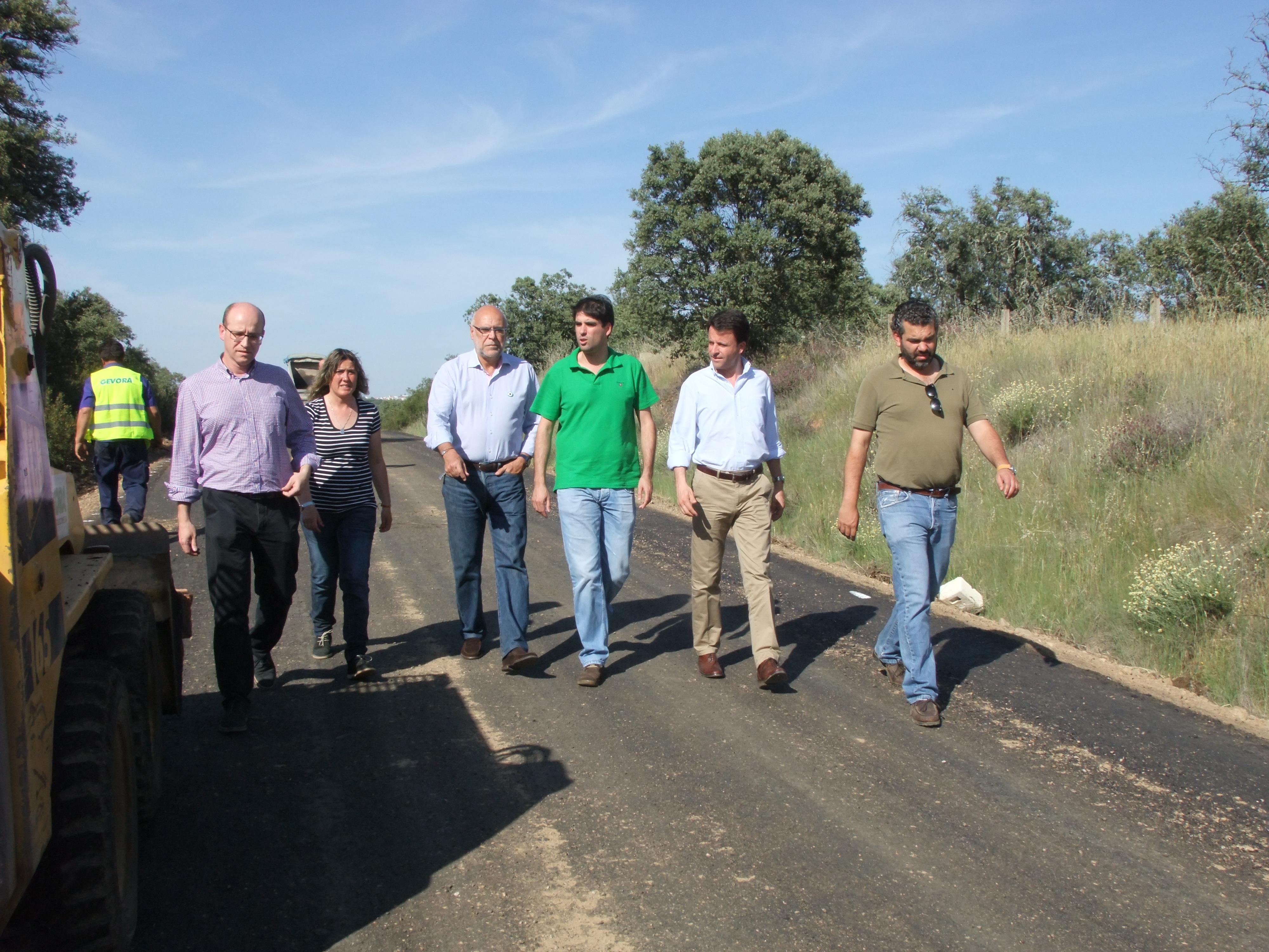 El Consejero de Agricultura visitaba Torrejoncillo el lunes pasado