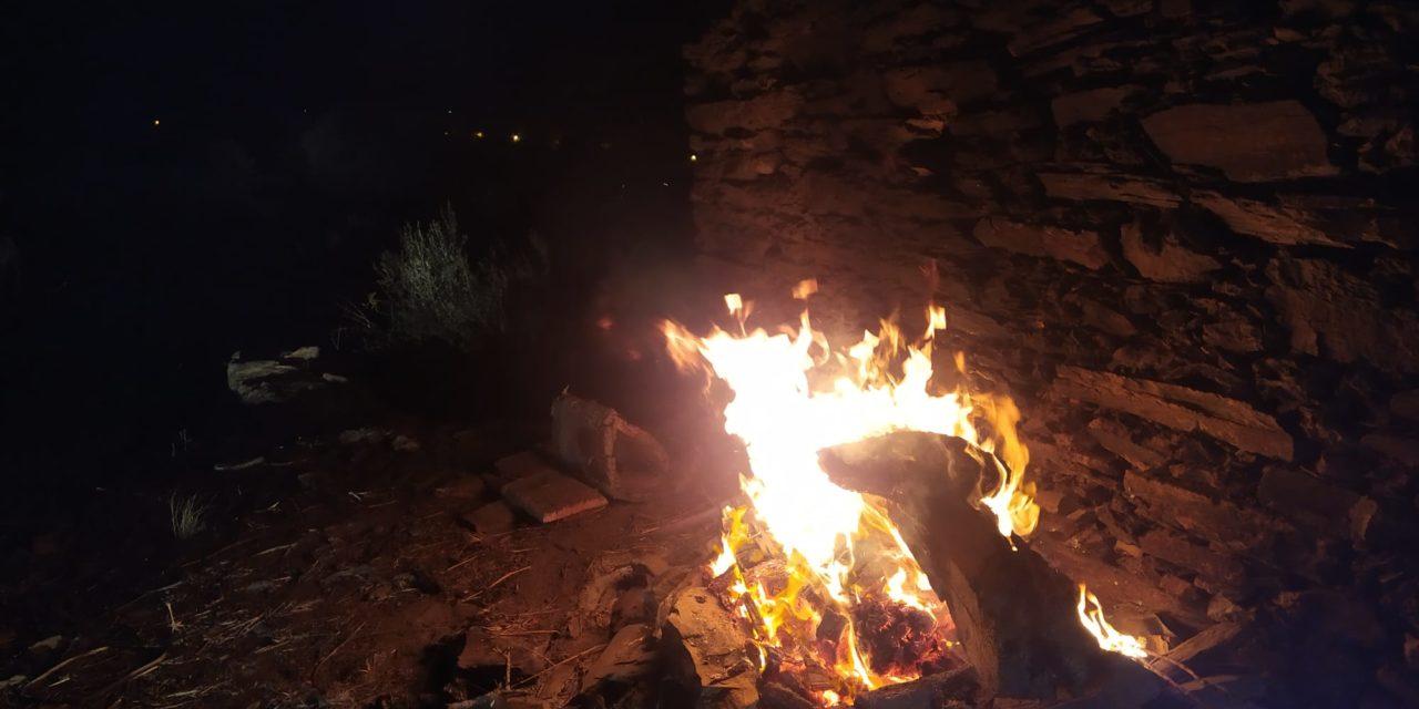 El humo en el ambiente nos ha alertado esta tarde-noche sobre la zona del poli