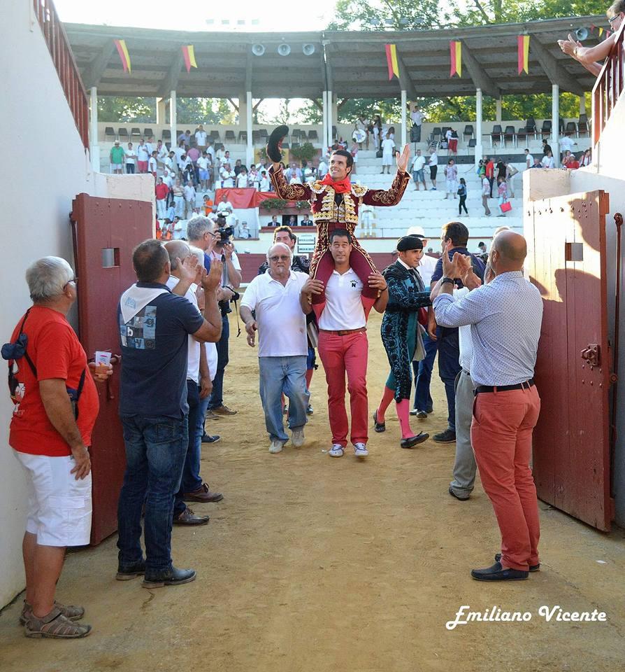 De Justo abrió la puerta grande en Orthez