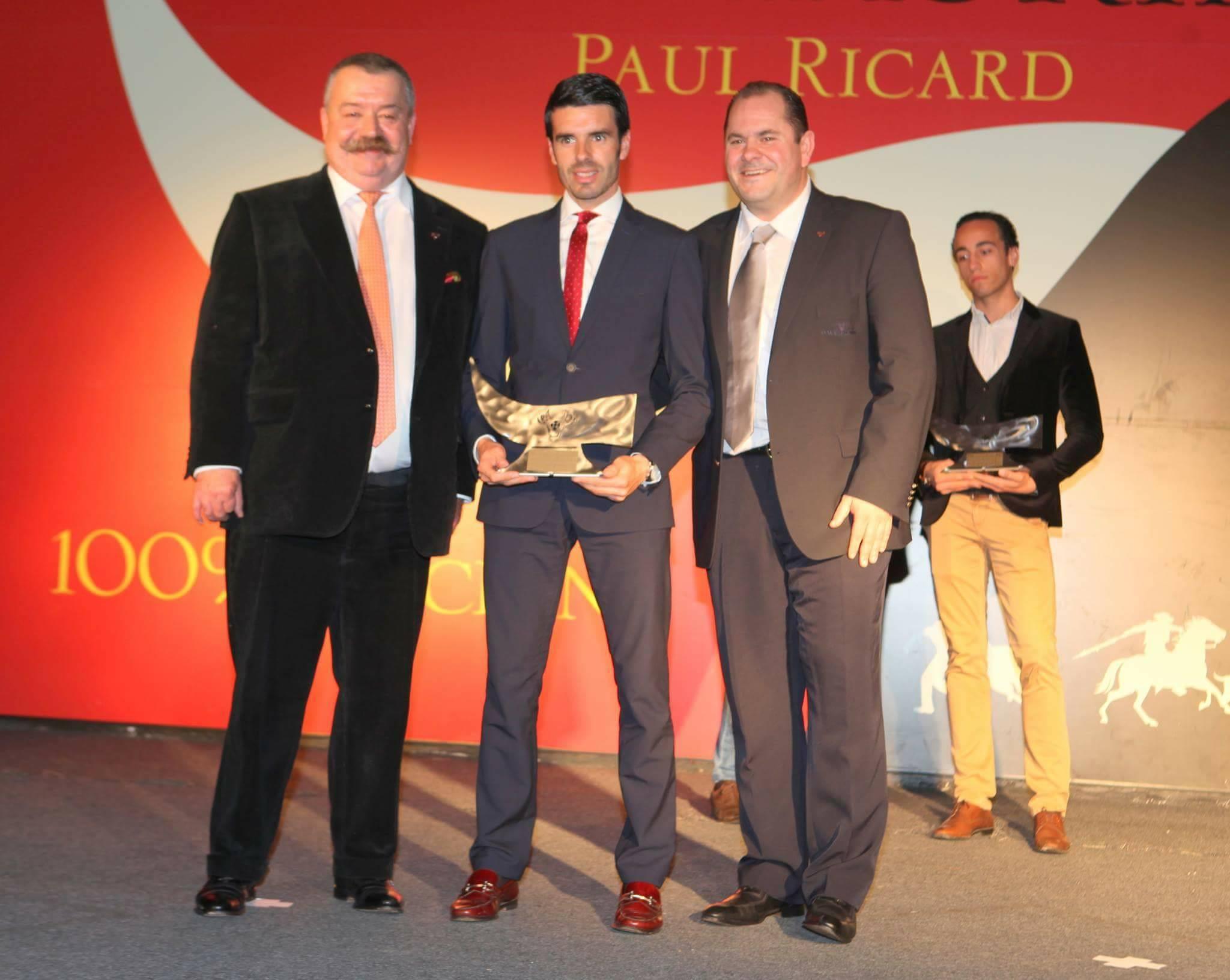 Emilio de Justo recoge el Premio al torero revelación 2016 en Francia