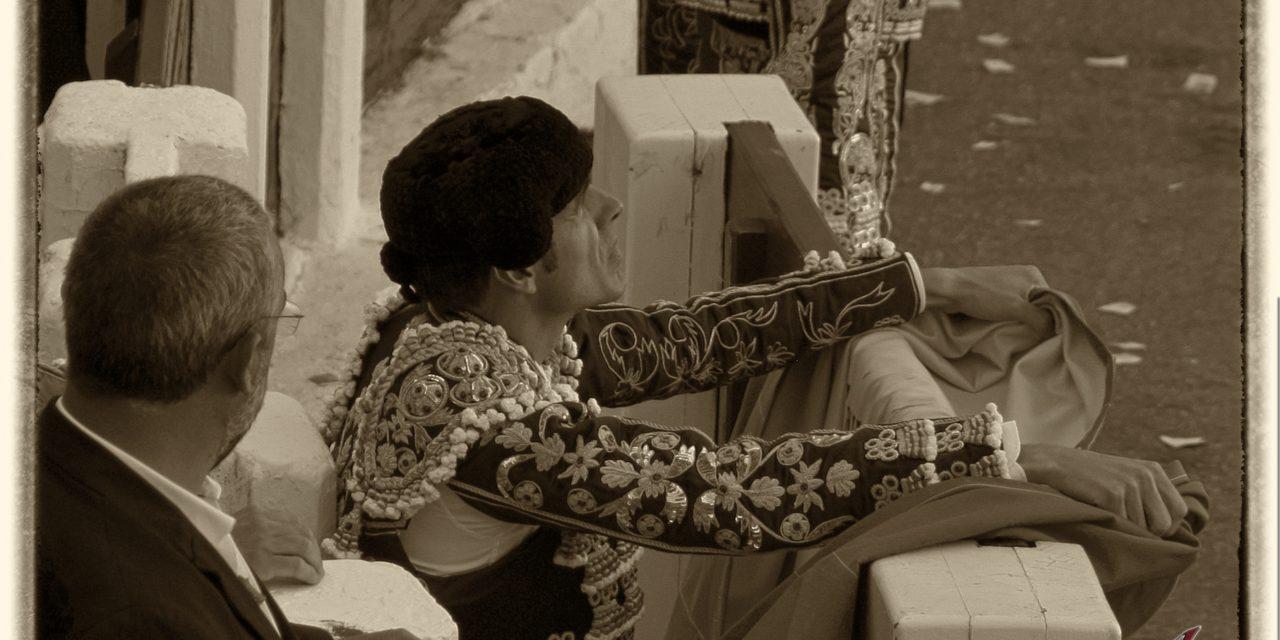 Emilio de Justo sufre una cogida en Mont de Marsan