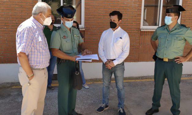 """Carlos Carlos visita las obras que la Diputación ha realizado en el acuartelamiento de Coria que van a suponer """"una mejora en la atención a la ciudadanía"""""""