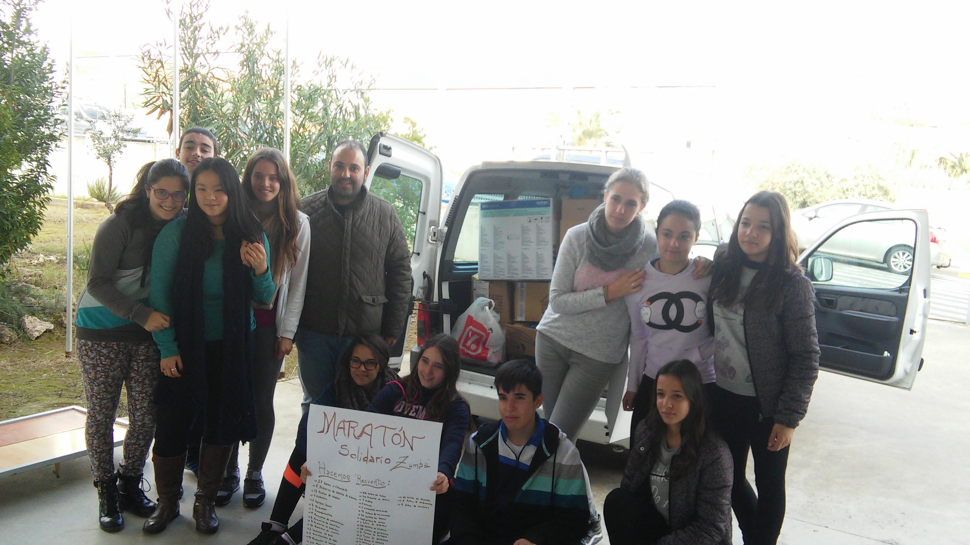 """Maratón solidario """" zumba"""" en el IESO Vía Dalmacia de Torrejoncillo"""