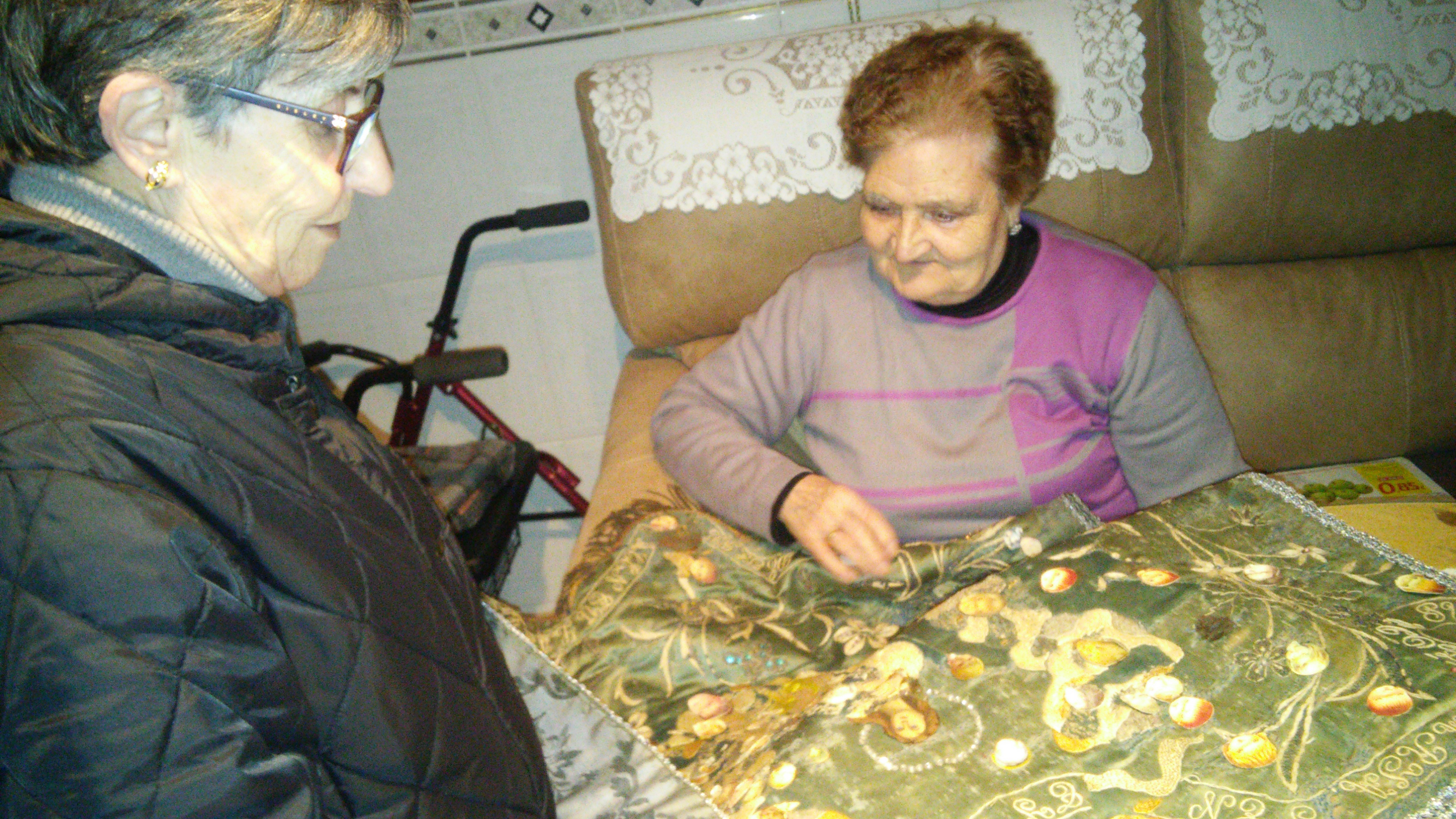 Un año más el estandarte de María visita a los mayores y enfermos de nuestro pueblo