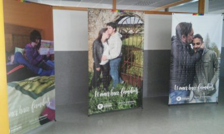 Exposición «El amor hace familias» en el IESO Vía Dalmacia