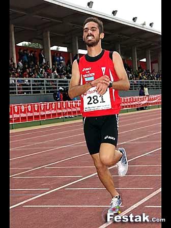 Mario Mirabel toma la salida en el Campeonato de España de 5.000 m.l. promesa