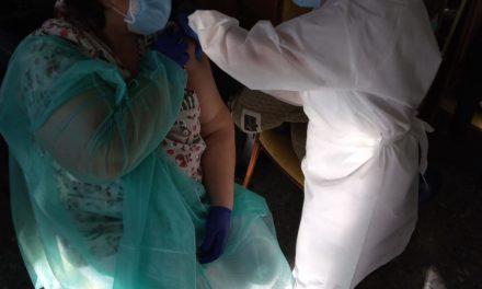 Los torrejoncillanos comienzan a vacunarse de la Covid 19