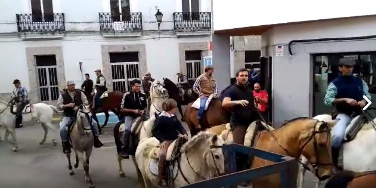 Se celebro con éxito la V Ruta Ecuestre Amigos de la Romería de San Pedro