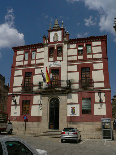 La deuda viva del Ayuntamiento de Torrejoncillo asciende a 492.000 €