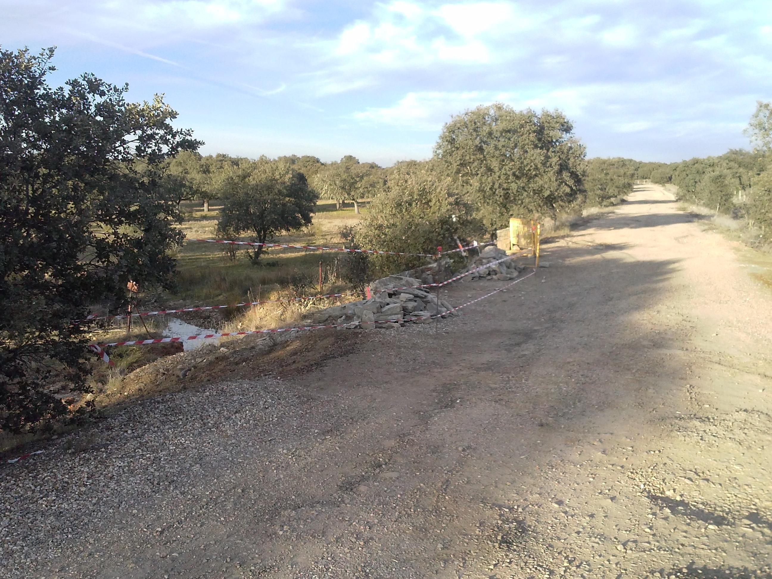Comienzan las obras de mejora de la carretera de la presa de Portaje
