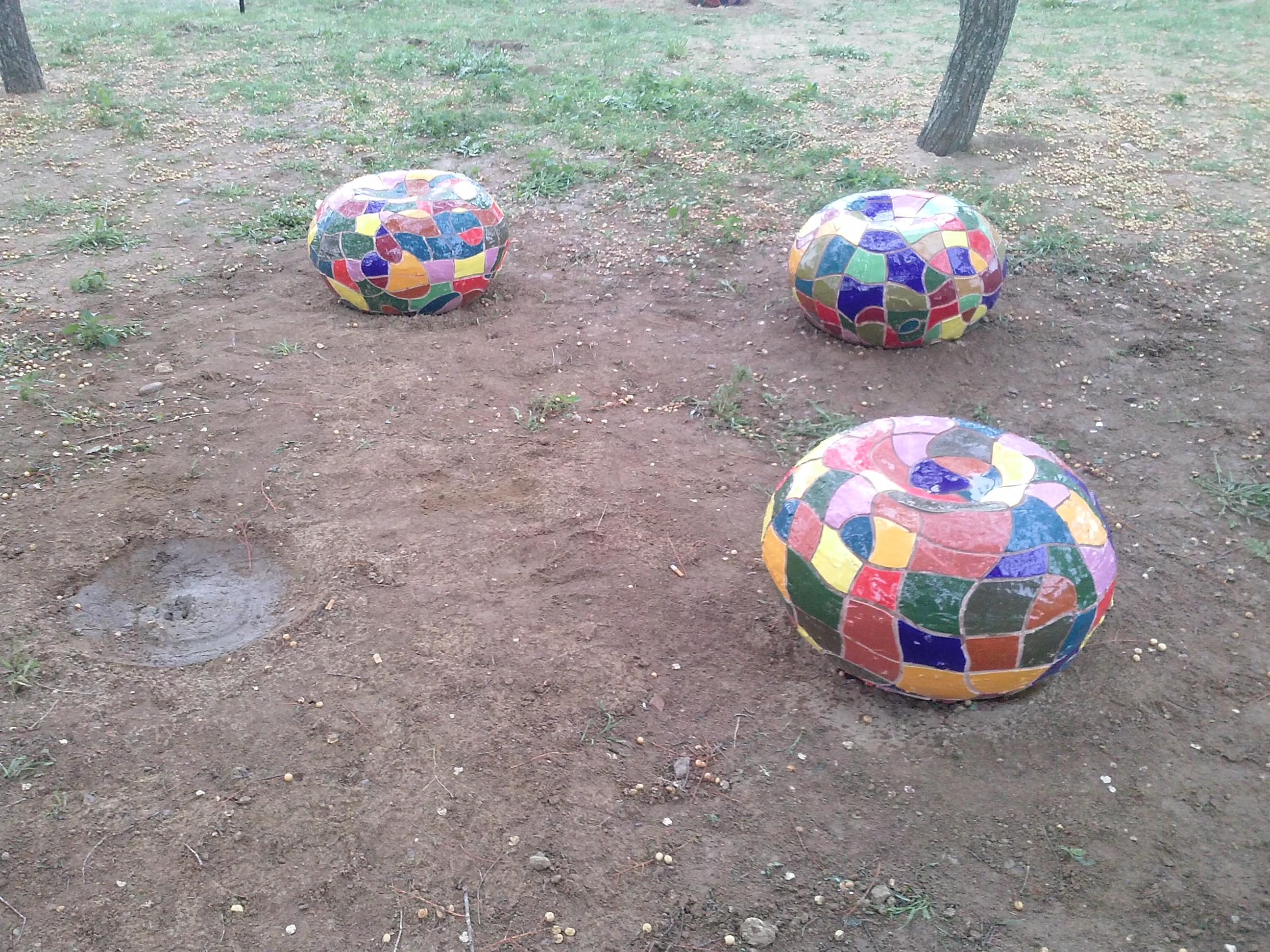 Una noche han durado los bancos del nuevo Parque de Monrobel