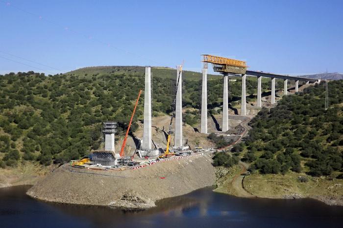 Viaducto de Alcántara, un arco de 324 metros de luz para salvar el Tajo