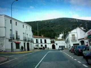 Condenado a 3 años y 9 meses por robar en Cañaveral, en el mismo municipio la Policía Local no cobra desde mayo