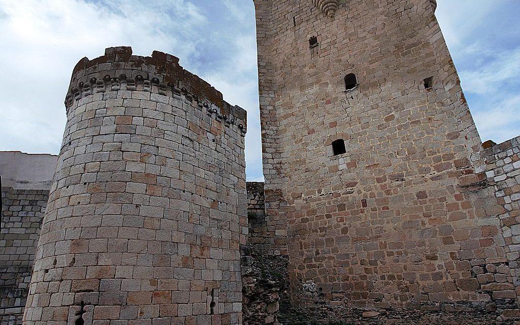 Asociación Amigos del Castillo de Coria. Conferencia sobre el Canónigo Amusco (s. XV)