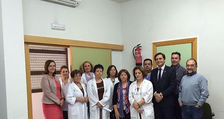 El gerente del SES anima a los profesionales del Centro de Salud de Torrejoncillo a hacer aportaciones al Plan de Formación para la Atención Primaria