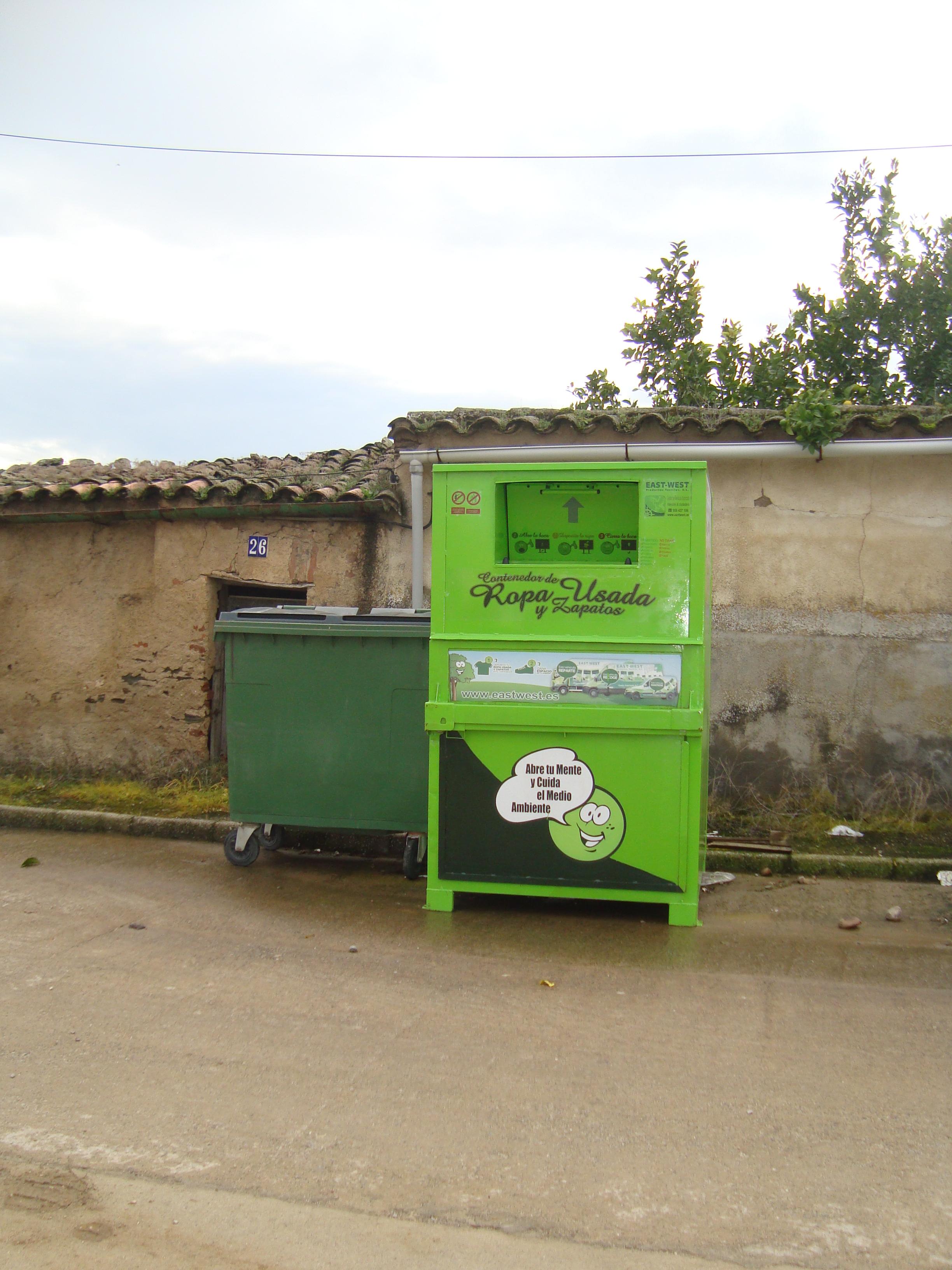 Nuevos contenedores de reciclaje de ropa y zapatos en Torrejoncillo