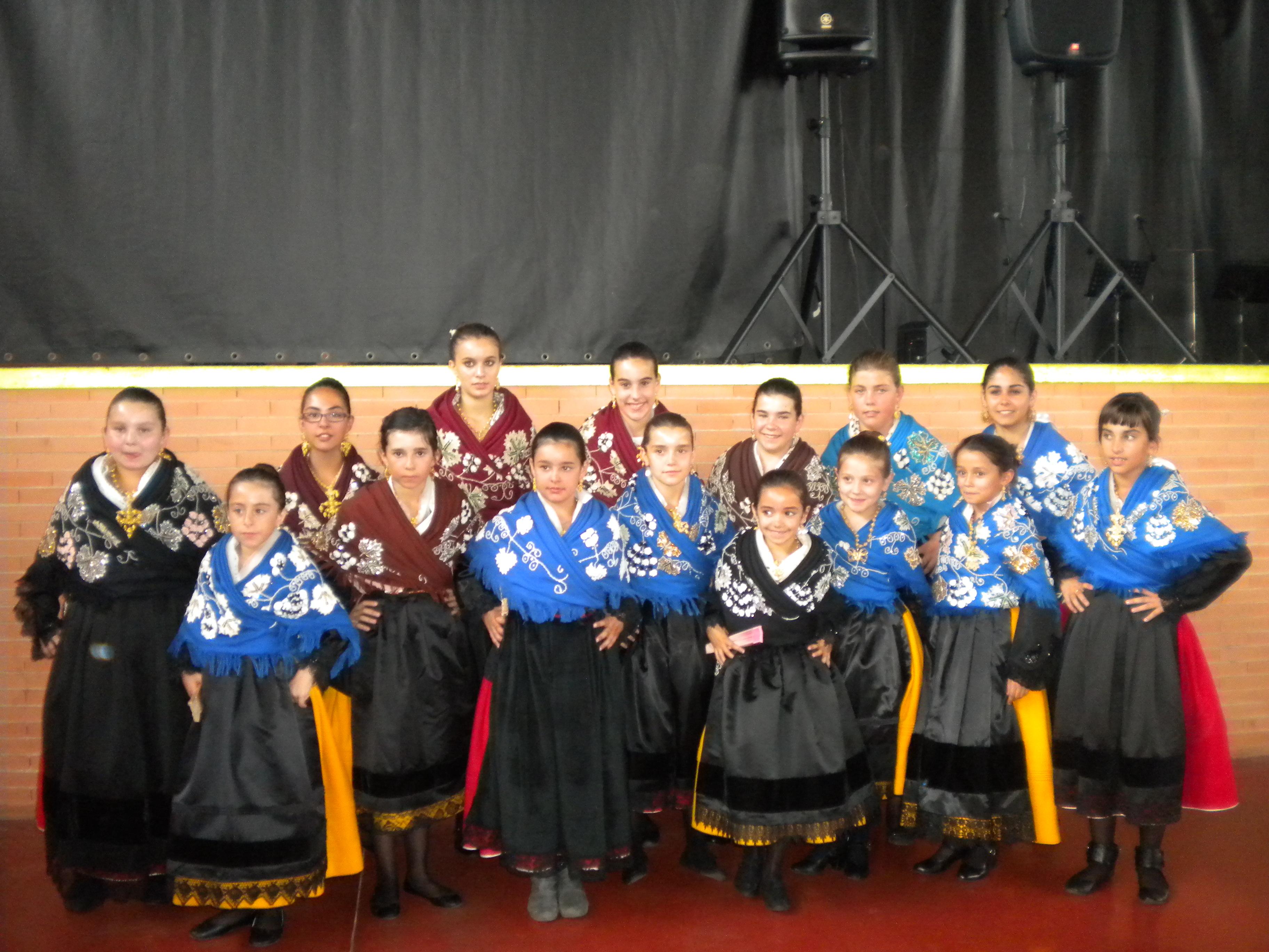 El Grupo de Coros y Danzas Infantil de Torrejoncillo actuó en Coria