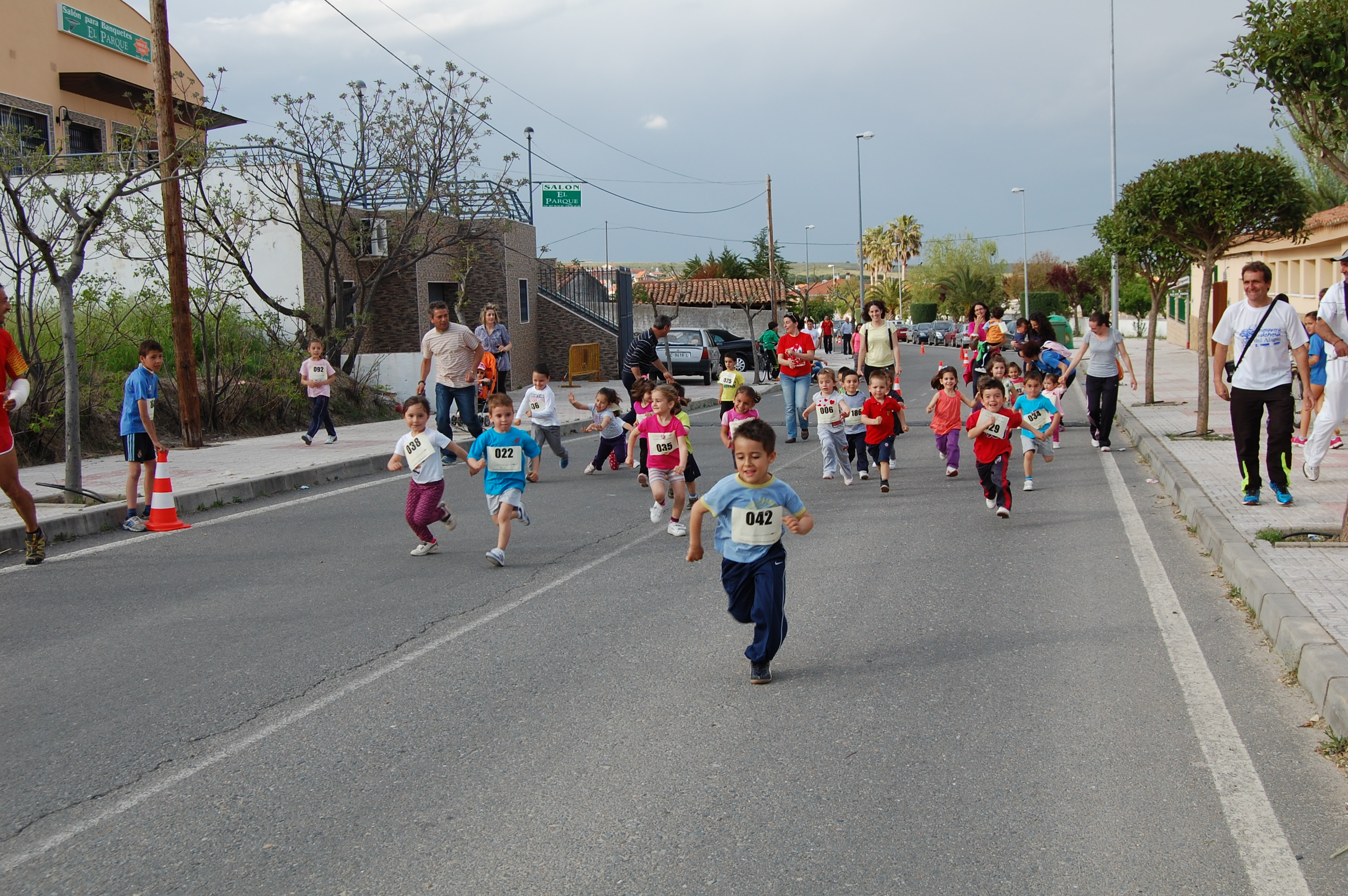 175 niños disfrutaron del atletismo en Torrejoncillo