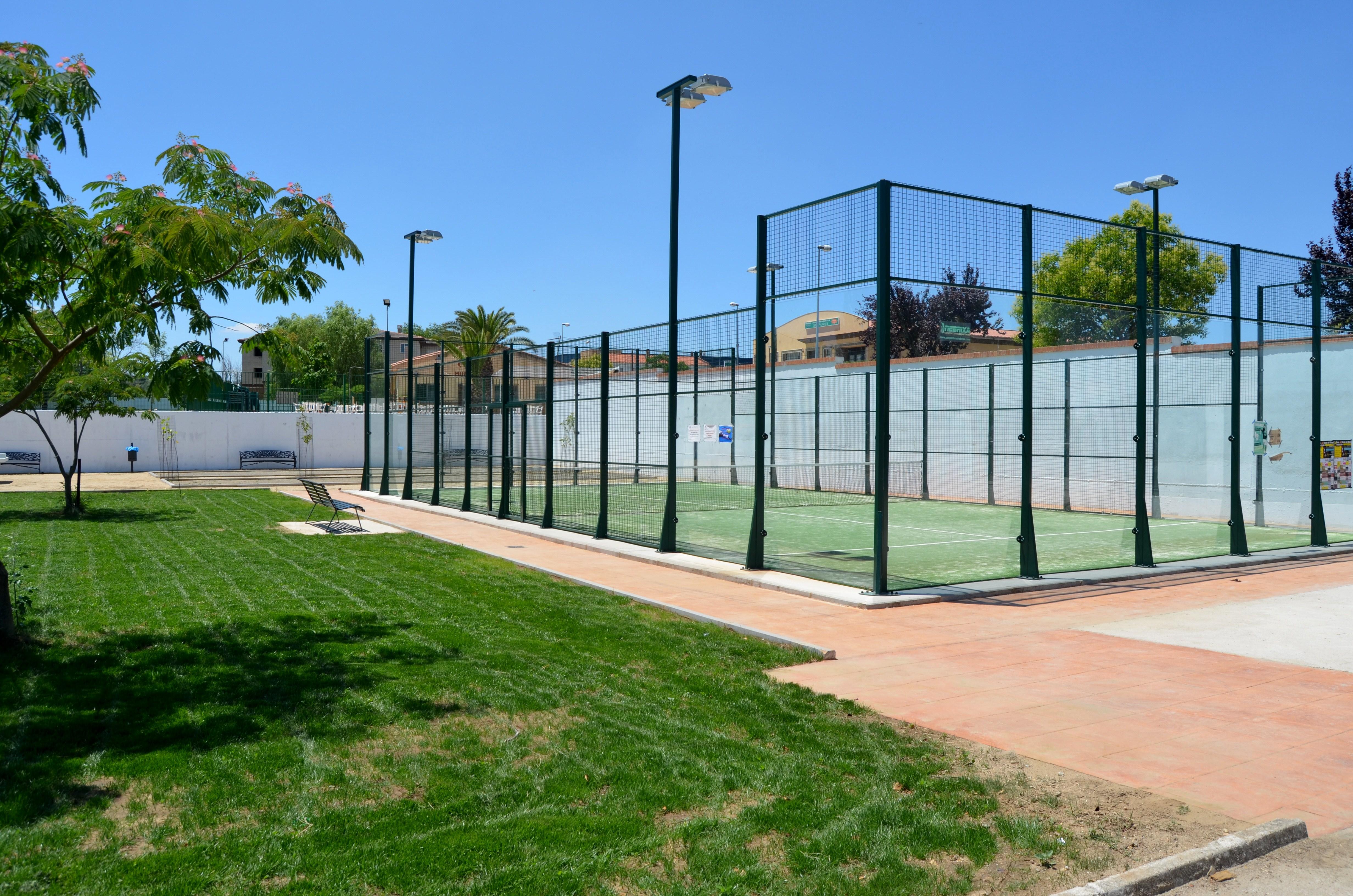 El Director General de Deportes visitó las nuevas instalaciones deportivas en Torrejoncillo y Valdencín