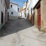 Calle Valdecornejo con el nuevo pavimento