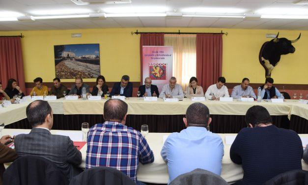 Diputación anima a los empresarios de Coria y comarca a trasladar todas sus inquietudes al Comité del programa Diputación Desarrolla