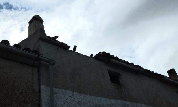 El temporal del fin de semana derriba parte de un tejado en Torrejoncillo