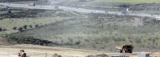 Adif inicia expropiaciones para el AVE entre Casas de Millán y Cañaveral