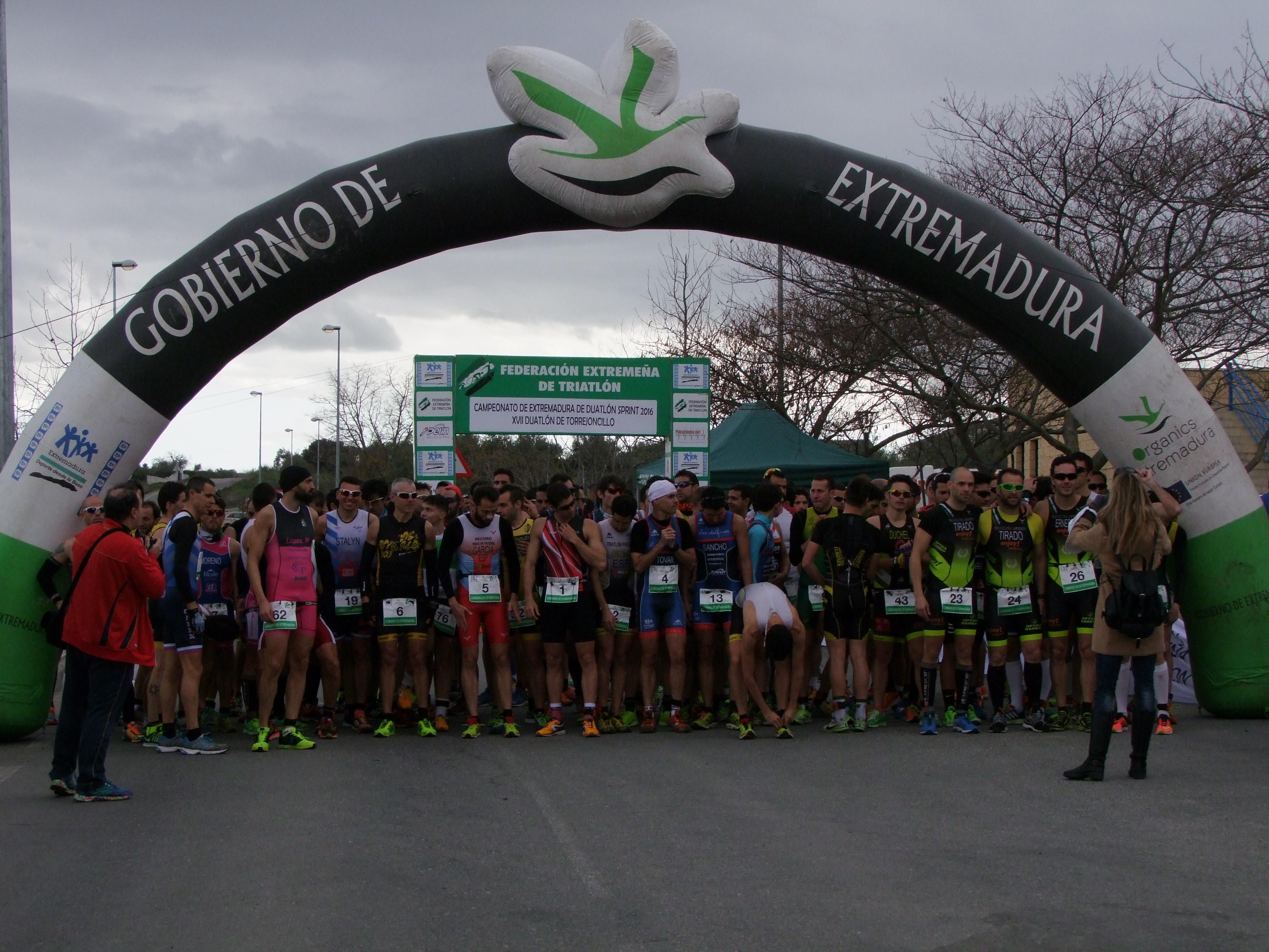 José Manuel Montero y Estefanía Domínguez se imponen en el Duatlón de Torrejoncillo (Contiene Galería)