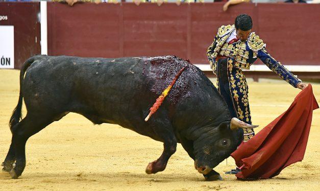 Emilio de Justo, premio a la mejor faena del año a un toro de Victorino Martín