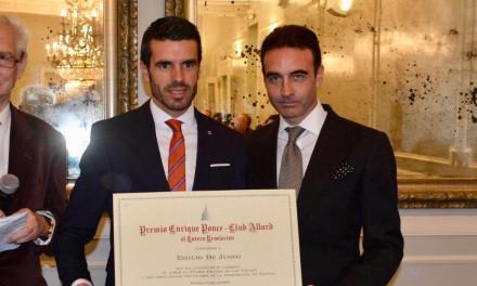 Emilio de Justo recibe el premio Enrique Ponce – Club Allard