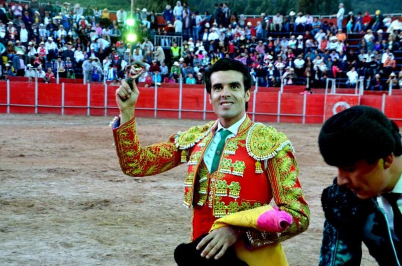 Emilio de Justo regresa a España tras su periplo colombiano