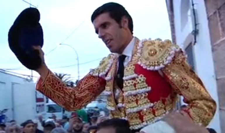 Mano a mano Juan Mora – Emilio de Justo, con toros de El Pilar, celebrado ayer en Cáceres.