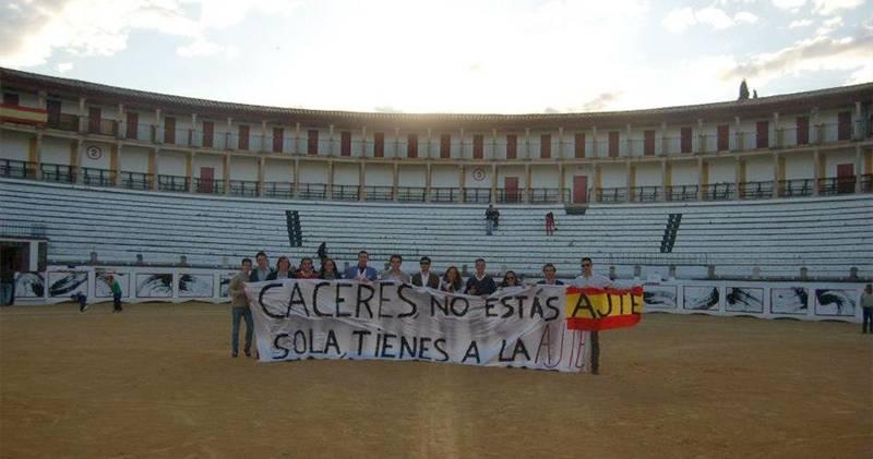 Jóvenes promueven la celebración de eventos taurinos en Cáceres