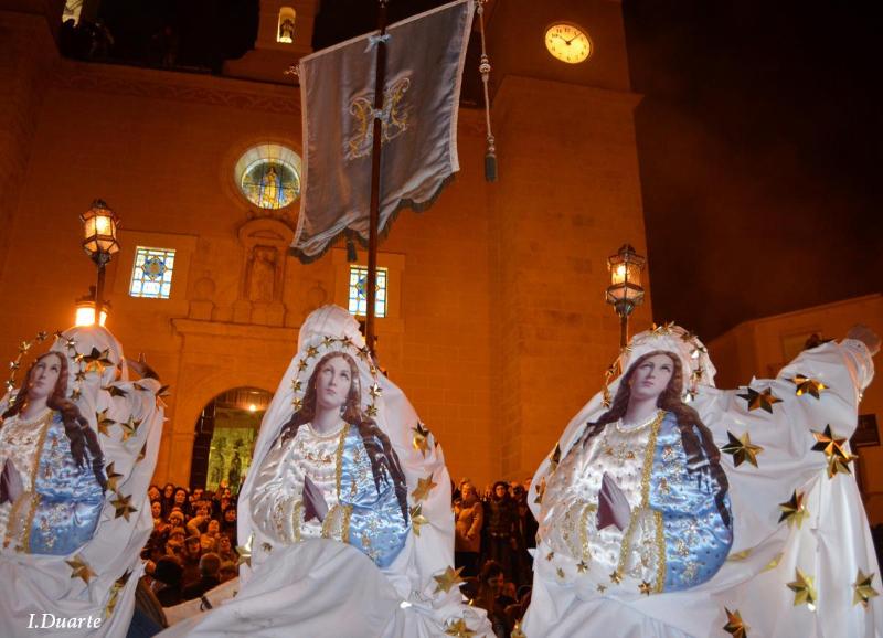 Los orígenes de La Encamisá podrían ser prerromanos, medievales, mitológicos o bélicos