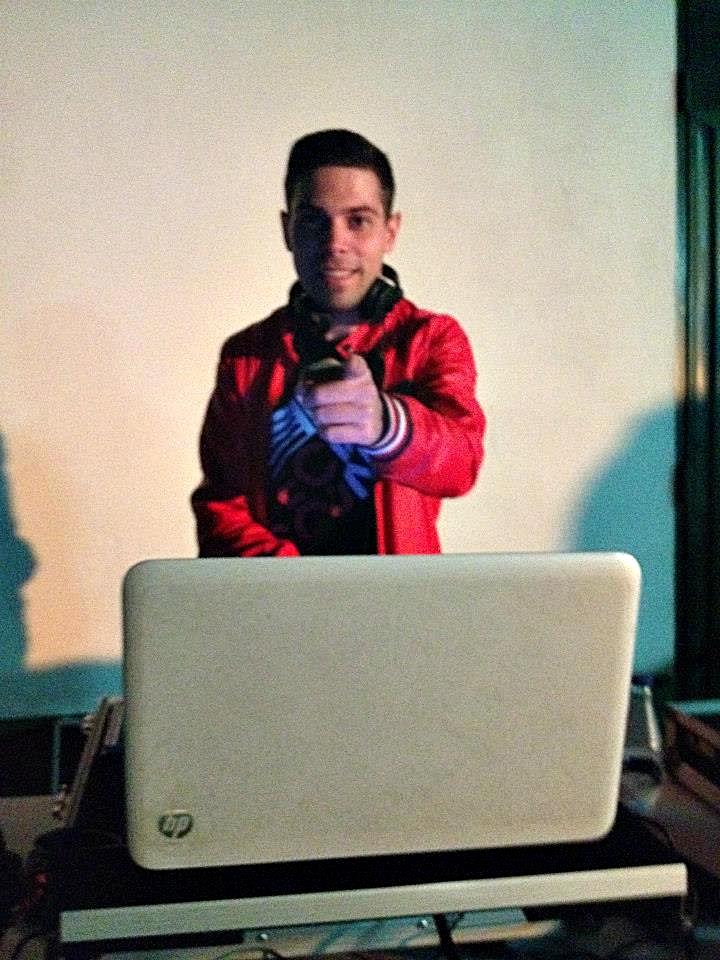 Manu Sánchez nos cuenta su experiencia como dj en el Festivalino 2013 de Pescueza