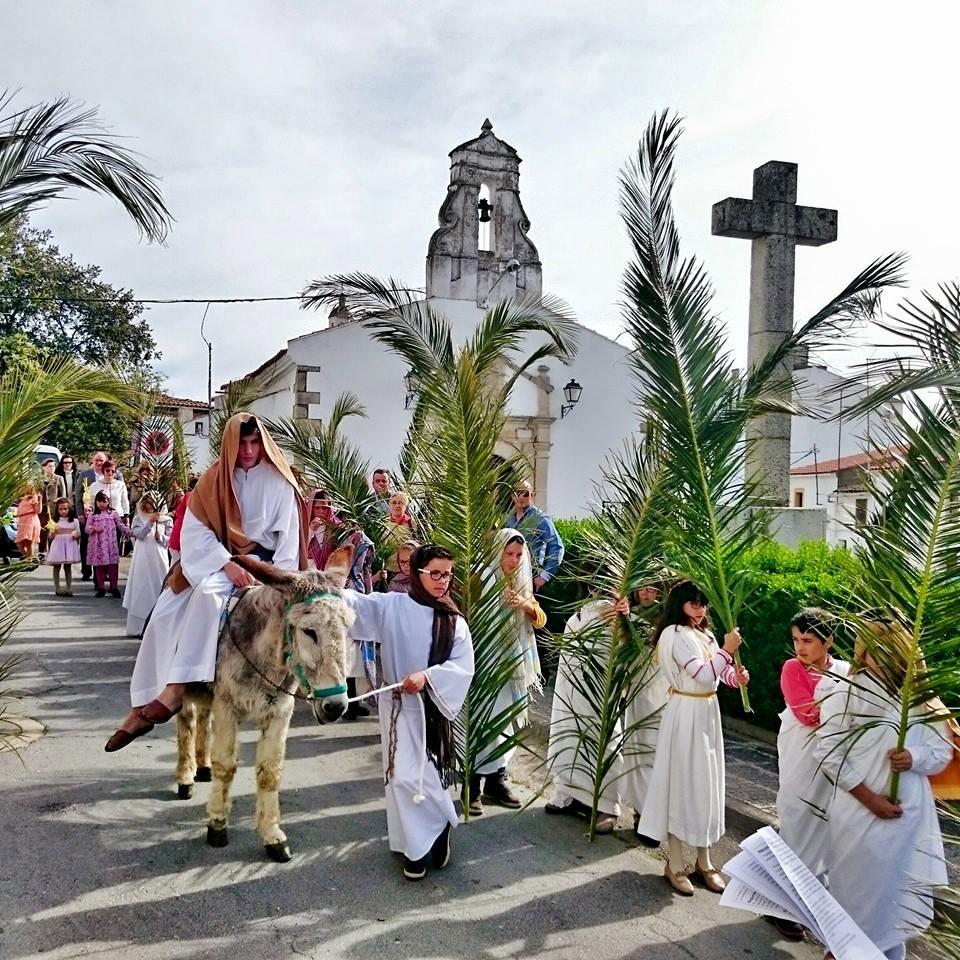 Las imágenes pringonas de Semana Santa volvieron a recorrer las calles del pueblo