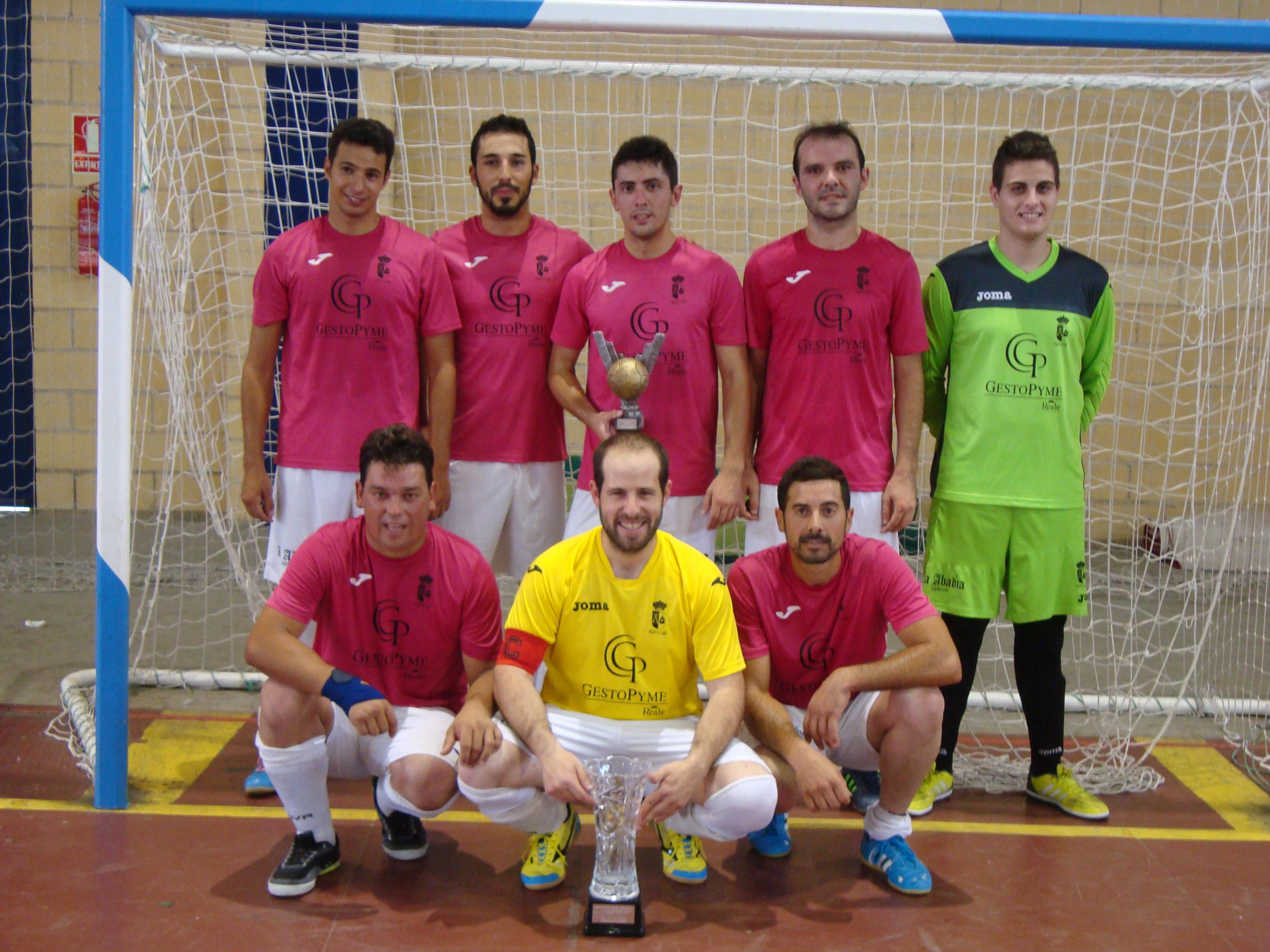 Roberto Arribas sigue en el cajón de goleadores de la tercera división