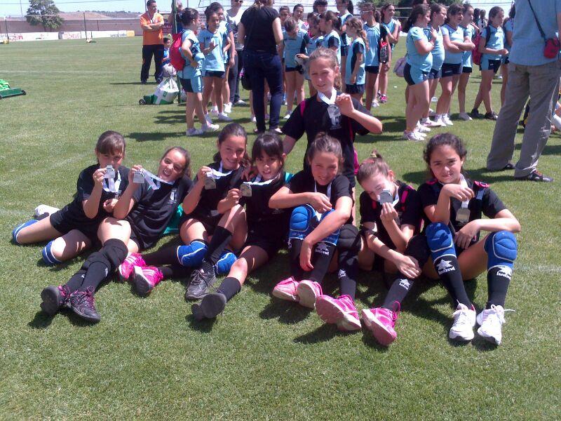 Las alevines dan carpetazo a la temporada de voley en Torrejoncillo