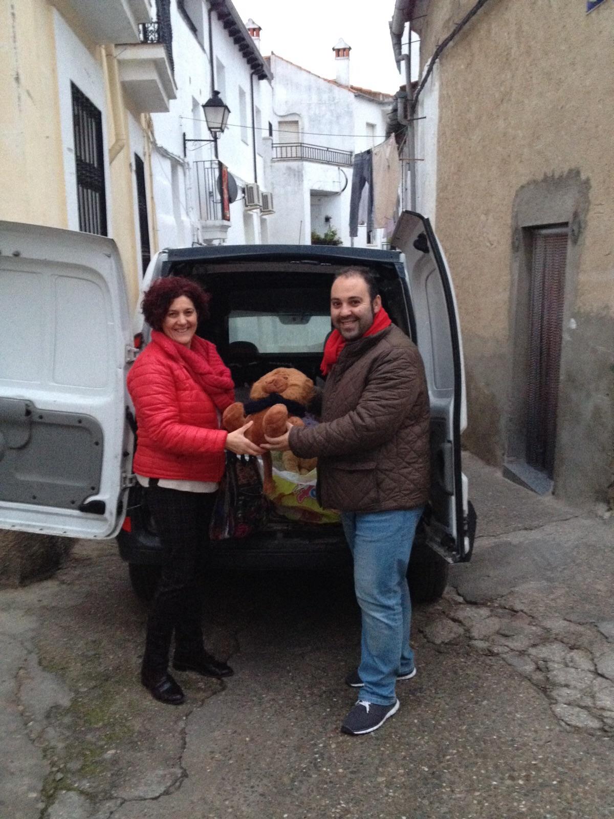 Acehuche lleva a cabo la recogida de juguetes solidarios para Cáritas parroquial de Torrejoncillo