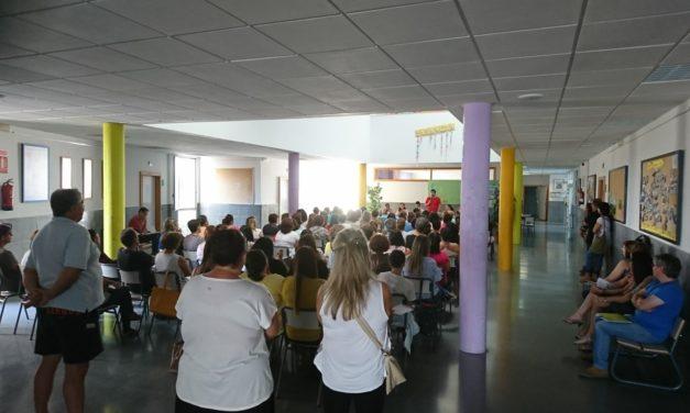 Un centenar de madres y padres asistieron a la reunión de inicio de curso del IESO Vía Dalmacia