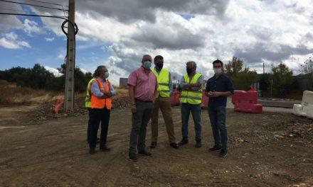 Diputación reitera su compromiso de revisar las unidades de obras para destinar la disponibilidad económica a la construcción de una rotonda