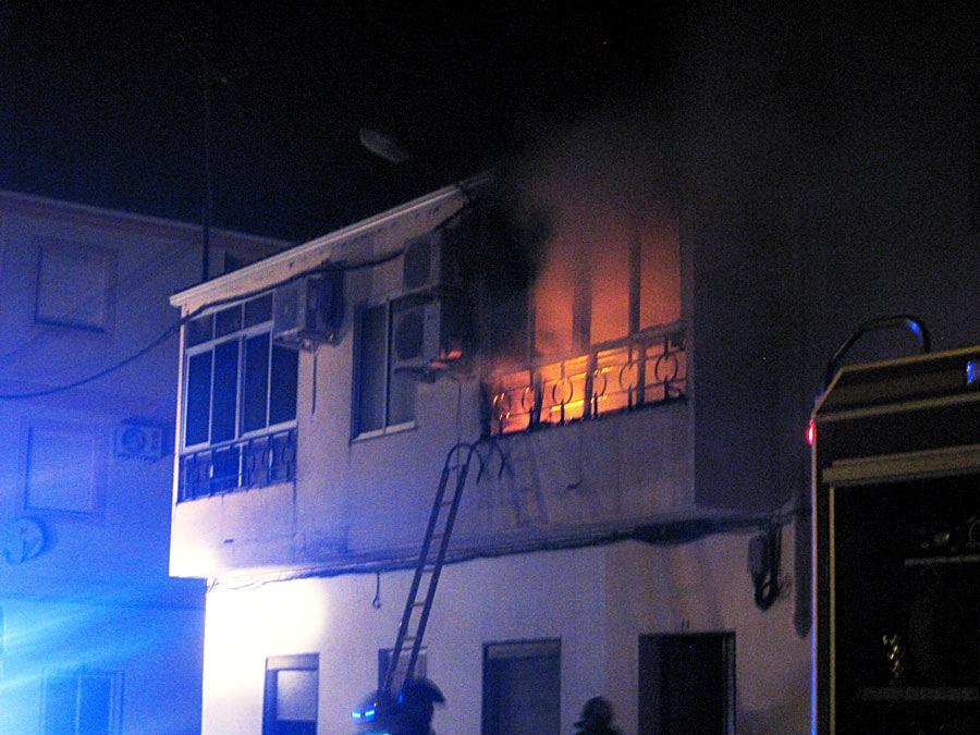 Dos mujeres, de 88 y 47 años, fallecen en un incendio en Coria