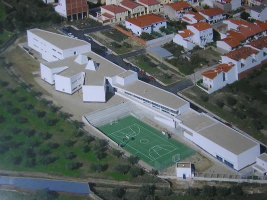 Los alumnos del IESO Vía Dalmacia sufren la accidentada ESO de los 1.000 €