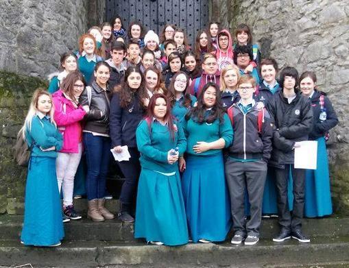 Visita Irlandesa a Torrejoncillo y el Ieso Vía Dalmacia hizo lo mismo a su país.