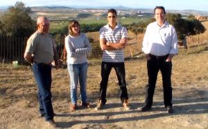 Los miembros de la Comisión de Festejos junto con el ganadero, Raúl Mahillo – TTN