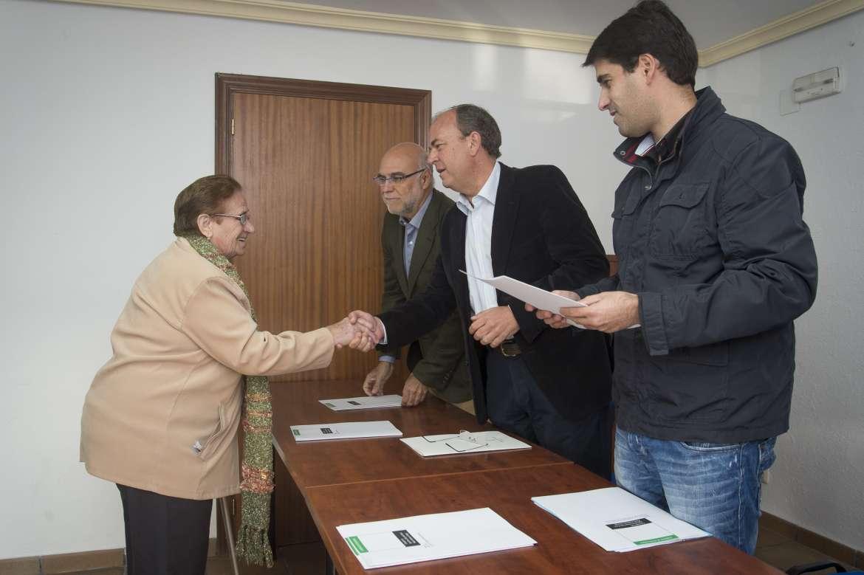 José Antonio Monago entrega 28 huertos en Valdencín